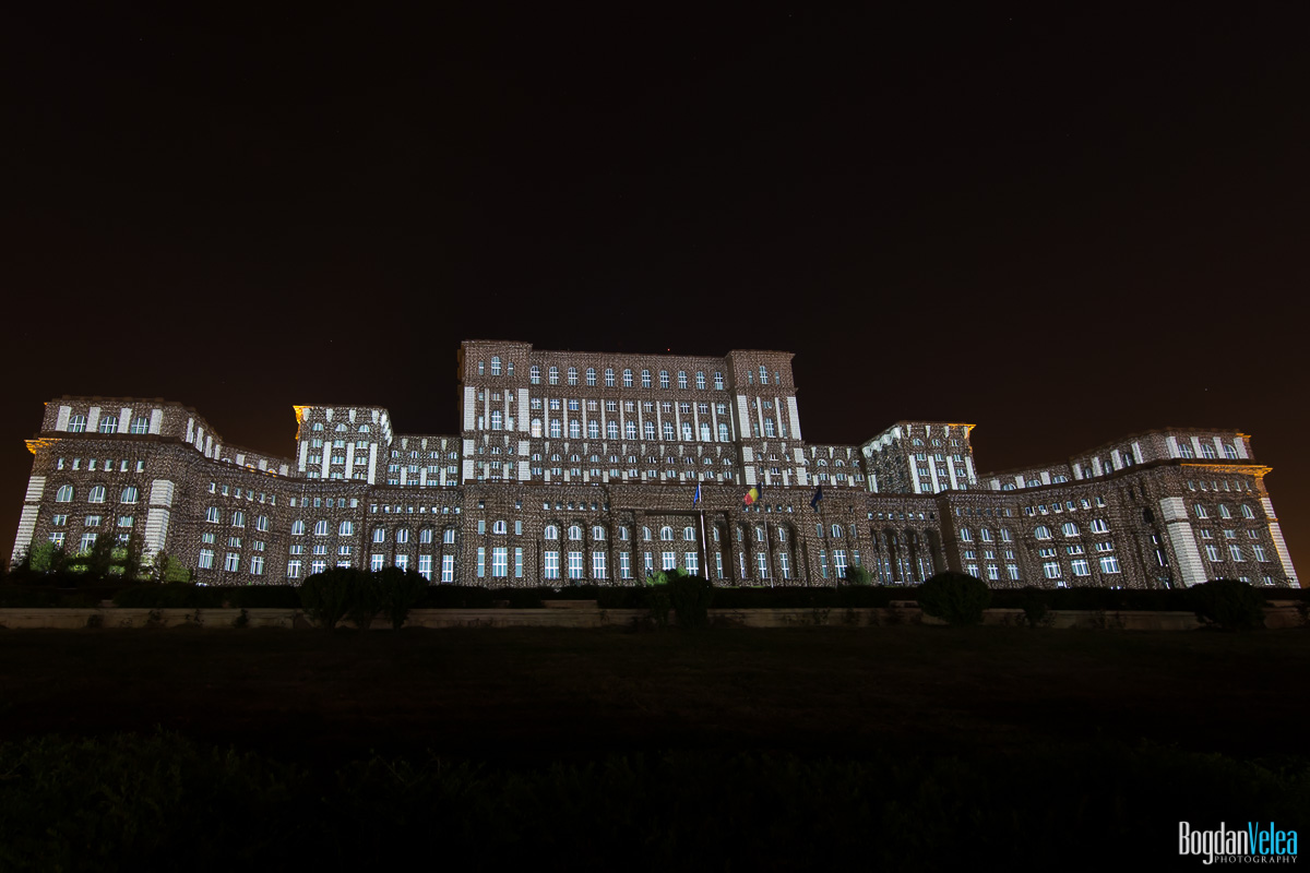 iMapp-Bucharest-2015-video-mapping-Casa-Poporului-035