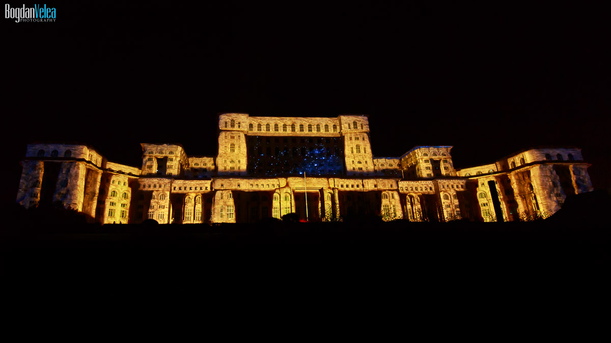 imapp-bucharest-2016-video-mapping-palatul-parlamentului-006