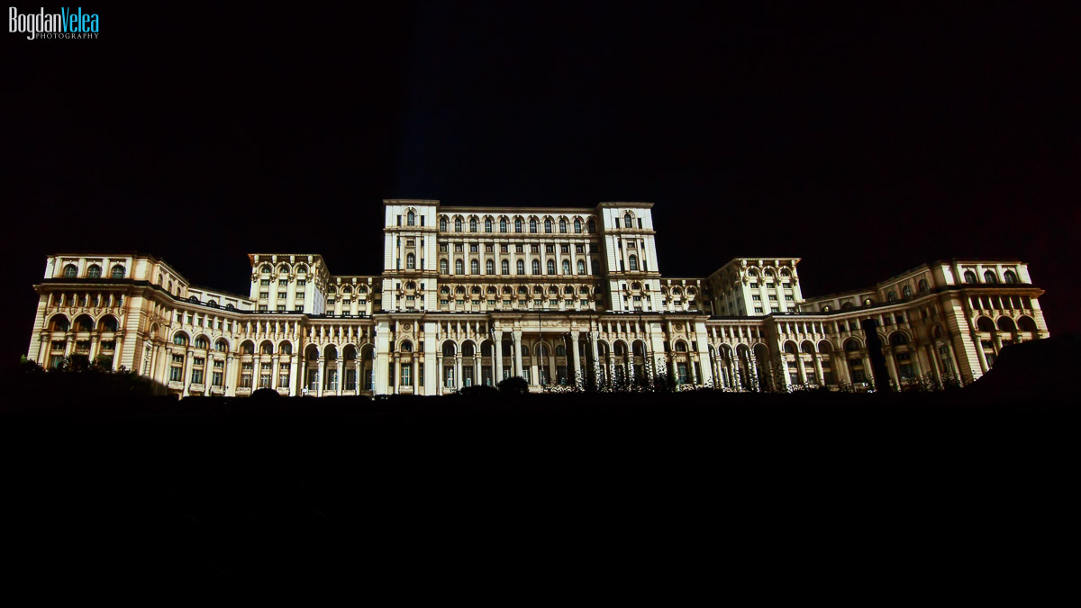 imapp-bucharest-2016-video-mapping-palatul-parlamentului-011