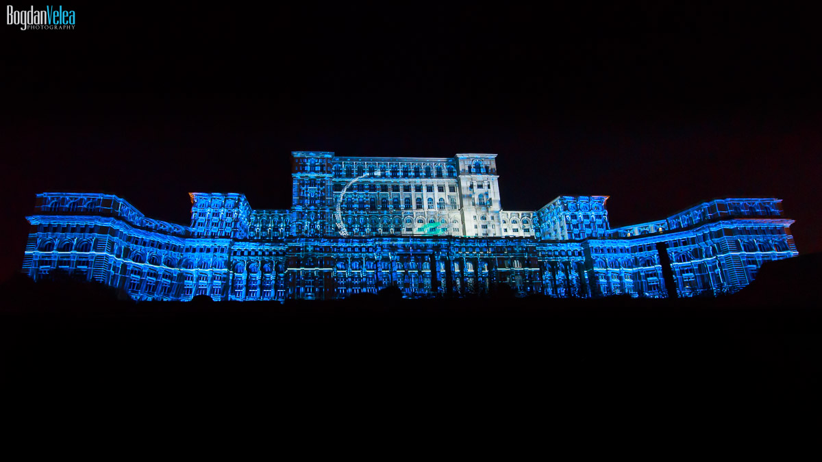 imapp-bucharest-2016-video-mapping-palatul-parlamentului-049